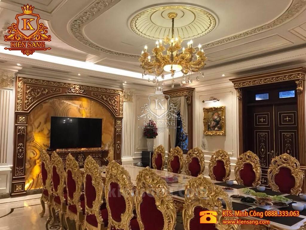 Cận cảnh công trình đồ gỗ nội thất dát vàng trị giá triệu đô